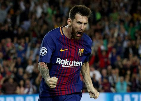 lionel messi signs  barcelona contract