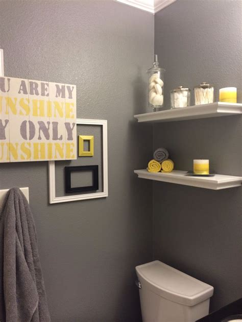Gray Bathroom Decorating Ideas by Best 20 Grey Yellow Bathrooms Ideas On