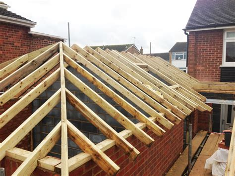 Pitched And Hipped Roof Roofing Timber Wood Shakes Timber Frame Roof Wood Shingles