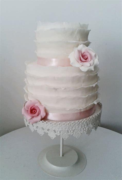 fiori con pasta di zucchero tecnica torta pasta di zucchero ruffle sposa golosissime