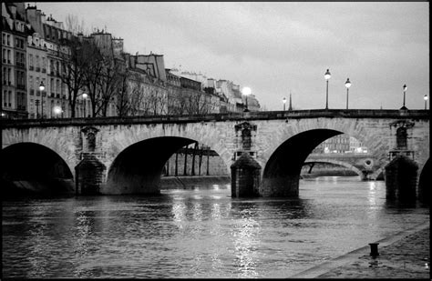 paris black  white   wallpaper