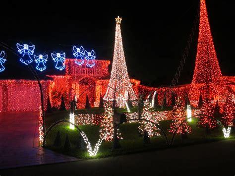beautiful christmas lights on houses www imgkid com