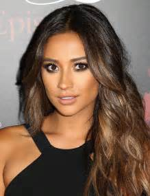 shay mitchell hair color quot pretty liars quot celebrates 100 episodes zimbio