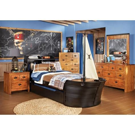 pirate bedroom set arr matey a bedroom set perfect for the adventurous child