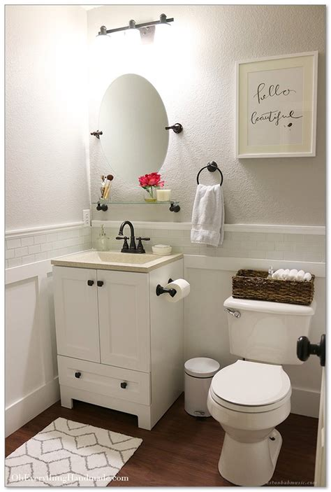 Small Bathroom Makeover Ideas On A Budget by 99 Small Master Bathroom Makeover Ideas On A Budget 15