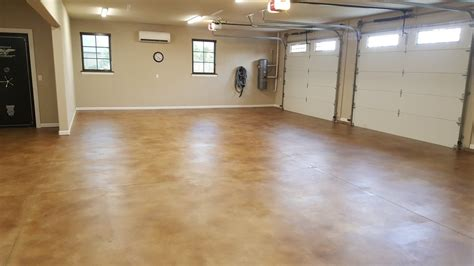 How to: Acid Staining Garage Floors   DirectColors.com