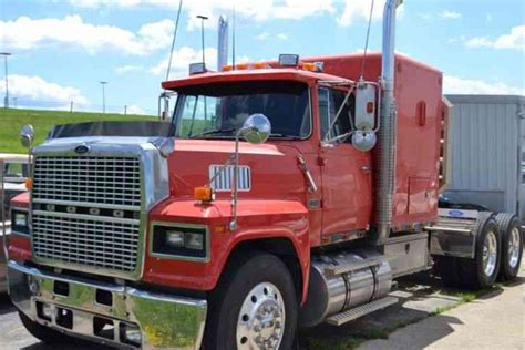 semi trucks for sale ford 1987 sleeper semi trucks