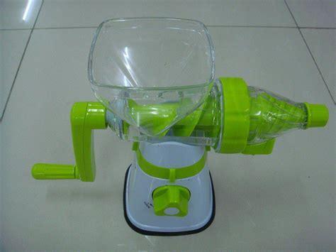 Juicer Multifungsi juicer dan alat giling multifungsi membuat jus dan menggiling bahan makanan jadi makin praktis