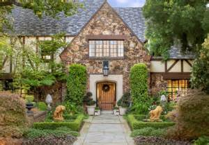 tudor homes 20 tudor style homes to swoon over