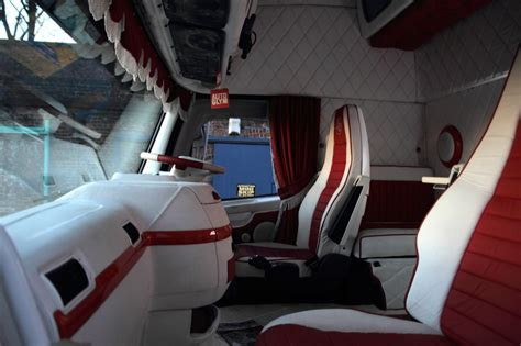 Inside Of Sleeper Trucks by Image Gallery Inside A Truck