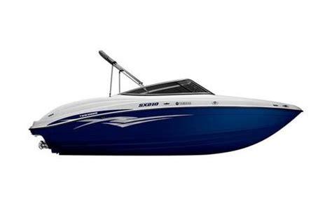 driving boat onto trailer monkeys designed my 2011 yamaha jet boat design news