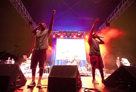 childish gambino ucla lyrics concert review bruin bash starting six kendrick lamar