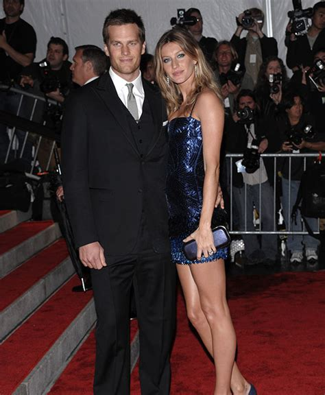 Tom Brady Waits For Giseles Text by Tom Brady Pens Sweet Note To Gisele Bundchen After