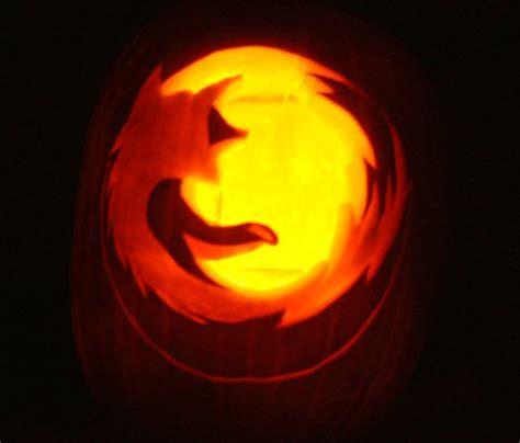 mozilla halloween themes boo five of the best geeky halloween pumpkins geek com