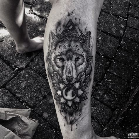 best wolf tattoos moon wolf best ideas gallery