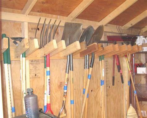 shovel and rake storage cabinet bien ranger et organiser son cabanon