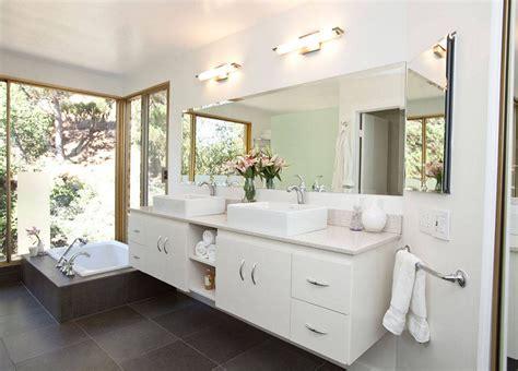 Bathroom Tidy Ideas by 20 Tips For An Organized Bathroom