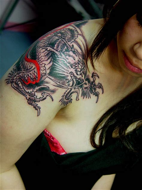 dragon tattoo designs shoulder shoulder dragon tattoos