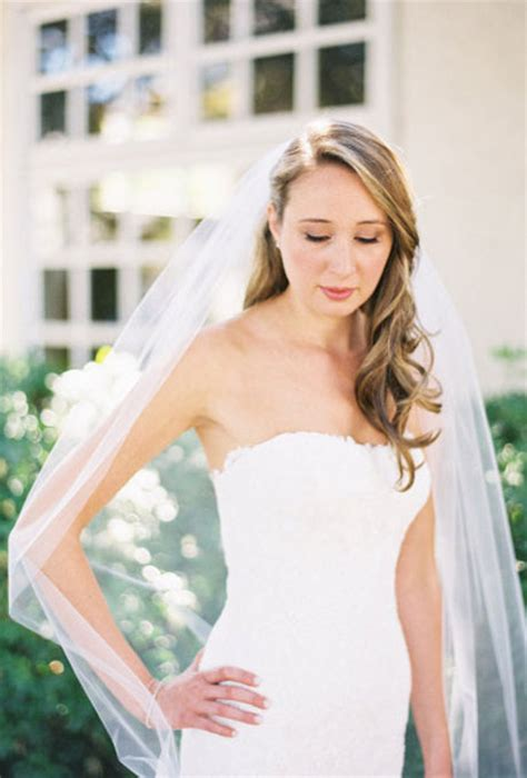 hairstyles to the side with veil bridal hairstyles with veil