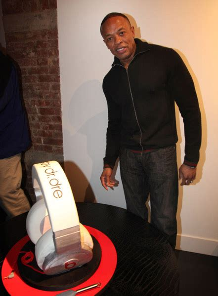 Dr Dre Detox Album Zip by Dr Dre In Gucci Jacket At His Beats By Dre Store Opening