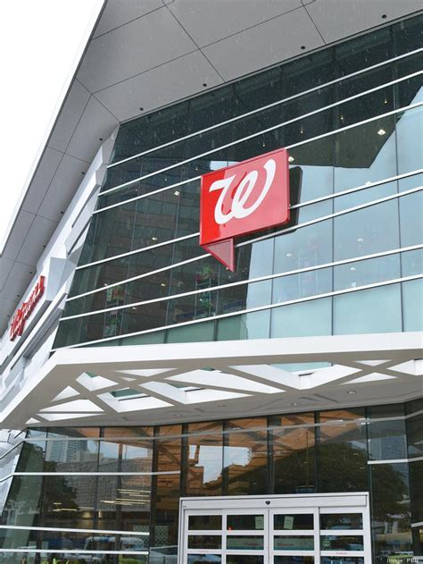 los angeles developer buys walgreens flagship hawaii store