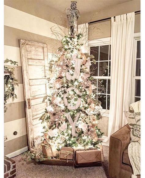 graphic   farmhouse christmas trees ideas  pinterest country farmhouse