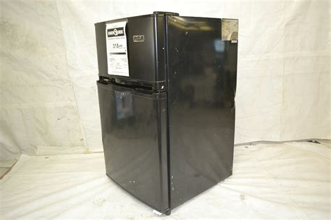 Freezer Rca rca rfr835 black 3 2 cubc foot 2 door fridge and freezer
