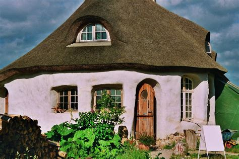 straw bale cottage thoughts wonders