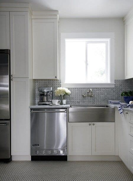 stainless steel apron sink white cabinets 144 best images about white cupboards stainless steel on