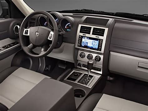 jeep nitro interior desmontar estereo how to remove radio dodge nitro 2006
