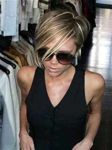 victoria beckham in honey blonde hair pic robmacca s entertainment news victoria beckham blonde