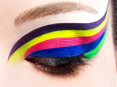 color up make up of the week neon colors
