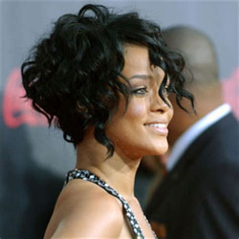 short curly hair model how to create and style rihanna s curly hair