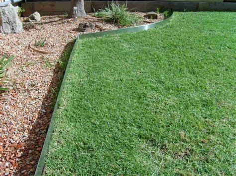 metal landscape edging for accurate and elegant landscape
