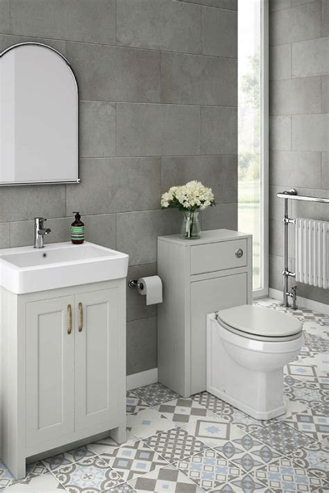 bathroom ideas in grey best 25 grey bathroom decor ideas on half