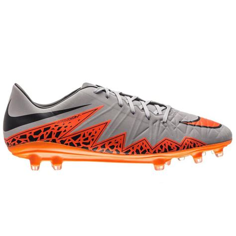 best football shoes 2015 nike hypervenom phatal ii review