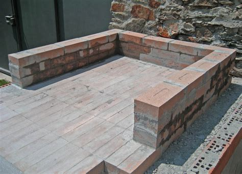 costruire camino a legna forno in mattoni refrattari a base rettangolare