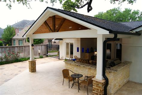 Contemporary Patio Cover, Kitchen and Firepit   Texas