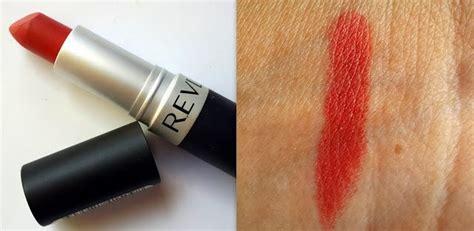 Lipstik Revlon Matte 009 review and swatches revlon matte lipstick in shade fabulous fig dosage