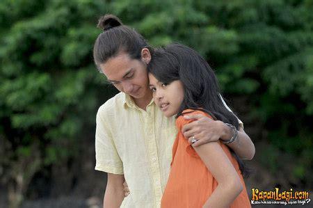 film indonesia perahu kertas download kapanlagi com foto film perahu kertas 2 kisah cinta