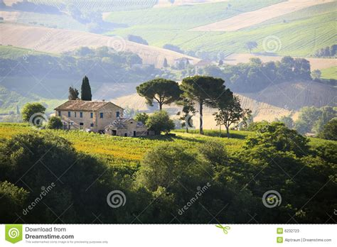 country side farm house farmhouse in italian countryside stock image image 6232723