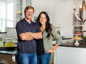 Contact Chip And Joanna Gaines chip gaines bio contractor spotlight wholesale