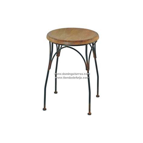 taburetes de forja taburete de forja con asiento de madera msf 40 domingo