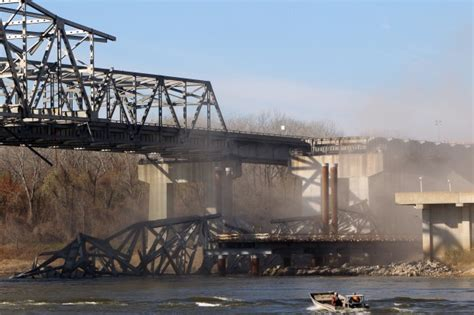 st louis county section 8 bridge section falls into missouri river as planned