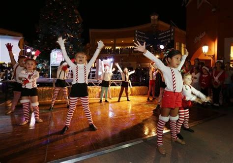 simi valley town center tree lighting christmas lights are turning on all over ventura county