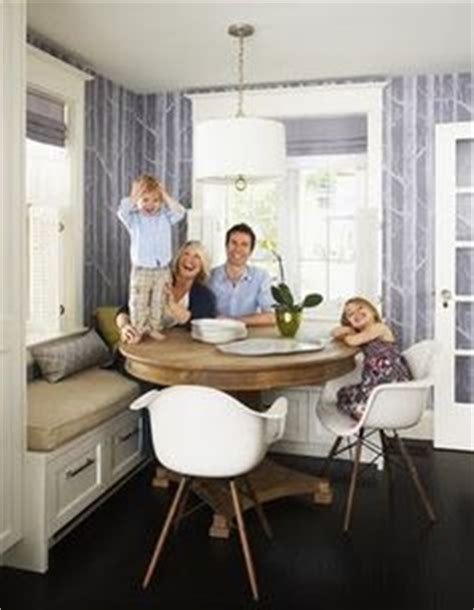round table with banquette seating 1000 images about breakfast nooks window seats on pinterest breakfast nooks