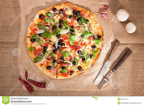 best free royalty free pizza royalty free stock photography image 31567147