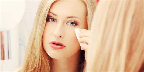 Eyeliner Dan Maskara membersihkan maskara eyeliner waterproof di mata cara