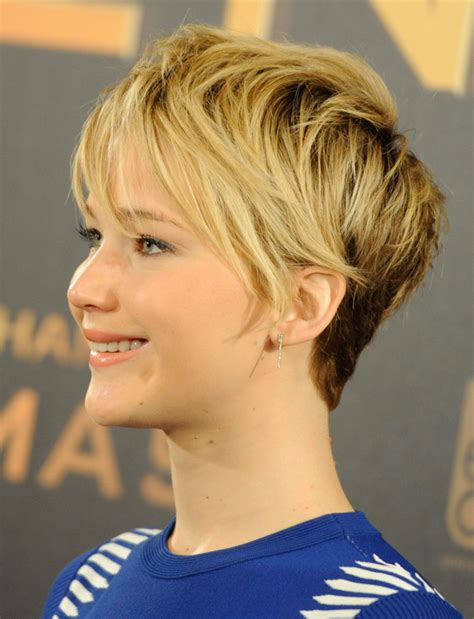 pixie haircut makeovers why we now love jennifer lawrence s pixie haircut daily