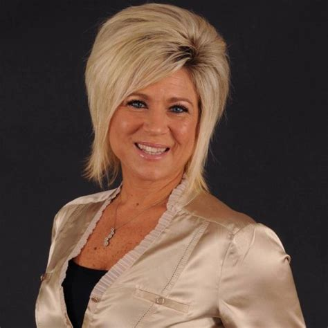 theresa caputo new hair theresa cupota pictures to pin on pinterest pinsdaddy